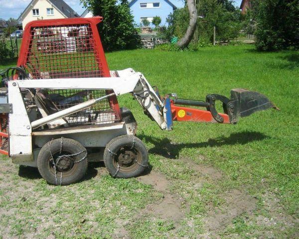 Bobcat 371 Hoflader mit Schaufel
