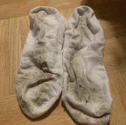 Stinke Söckchen Socken schmutzig dreckig