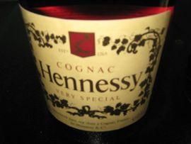 Essen und Trinken - 2 FLASCHEN COGNAC HENNESSY FÜR