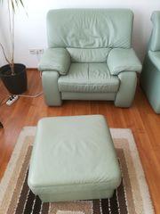 Himolla-Sessel mit Hocker zu Verschenken
