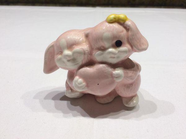 Deko Hundefigur rosa aus Ton