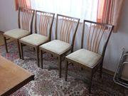 Stühle 4 Stühle gut erhalten