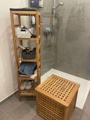 Badezimmer Regal mit Wäschekorb