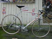 Straßenrennrad von PEUGEOT mit 12