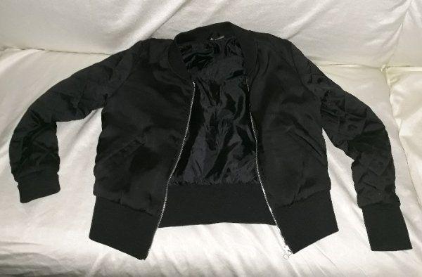 schwarze Übergansjacke H M