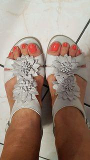 Neue Tamaris Leder Sandalen beige-grau