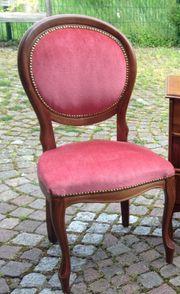 2 neuwertige sehr schöne Stühle