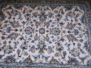 bleue klein teppiche