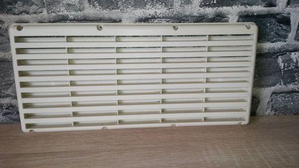 Kühlschrank Für Wohnwagen : Wohnwagen wohnmobil lüftungsgitter für z b kühlschrank in