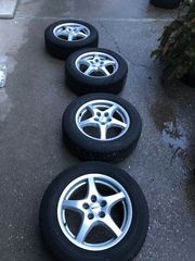 Winterreifen 215 60 R16