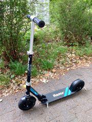 Kickscooter Razor A5 Air mit