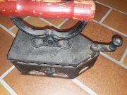 Altes Retro Kohle - Bügeleisen