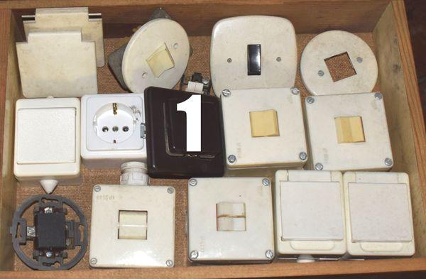 Stecker Steckdosen Schalter Sicherungen alt