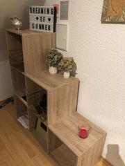 Stufenregal in Holzoptik