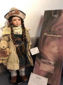 Porzellan Puppe: Kleinanzeigen aus Königsbach-Stein - Rubrik Puppen