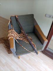 Sessel mit Vorhang aus den
