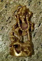 Feingearbeitete Skulptur Göttin Lakshmi aus