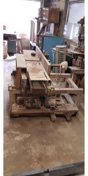 alte Ständerbohrmaschine Hobelmaschine Bügelsäge und
