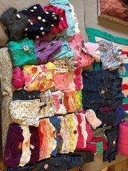 Mädchenbekleidung Paket 74-80 super Zustand