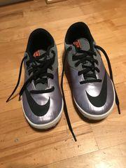 Neuwertige Nike Fußballschuhe