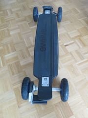 Evolve Carbon Elektro-Skateboard