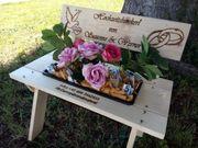 Blumen Bank mit Brand Gravur