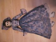 Schöne alte Puppe antik