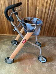 Trust Care Indoor Rollator Let