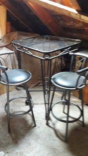 Stehtisch mit 2 Stühlen