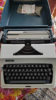 Schreibmaschine vom Typ Erika