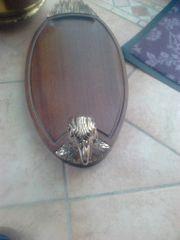 Brotzeitbrett mit silbernen Adlerkopf und