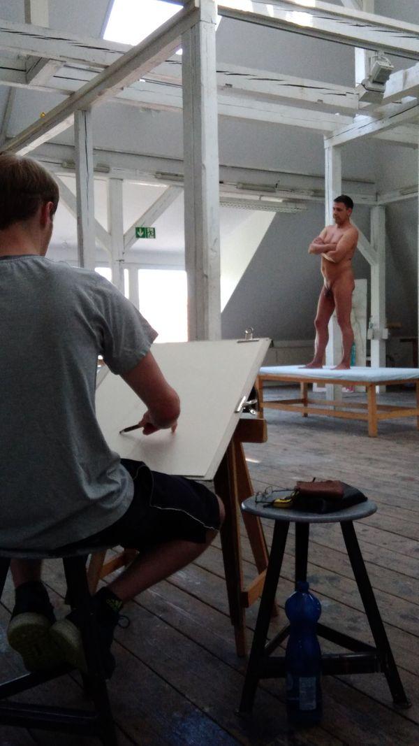 Nacktmodellsuche