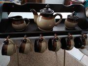 Kaffee- Teeservice mit Holzregal