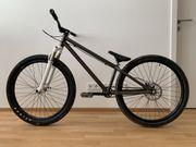 Neuwertiges Dirtbike zu verkaufen