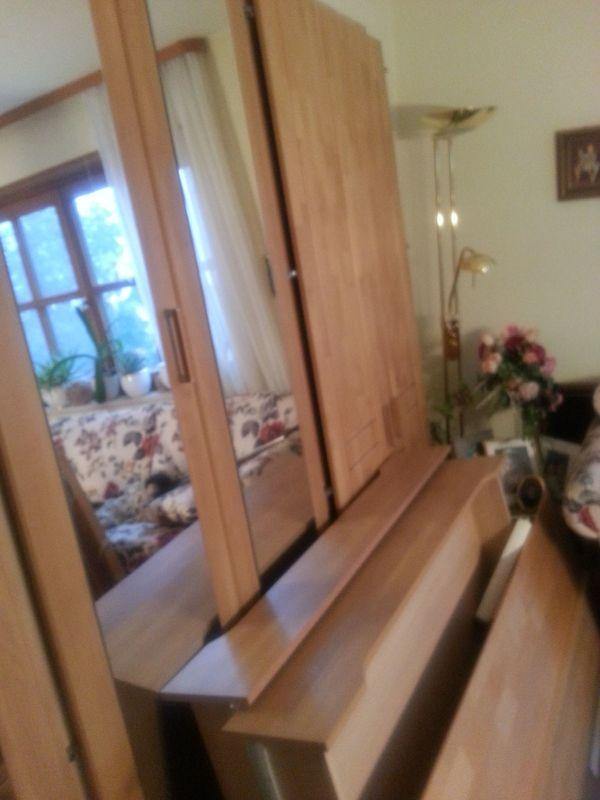 Schlafzimmer - 5 Tü Schrank Bett