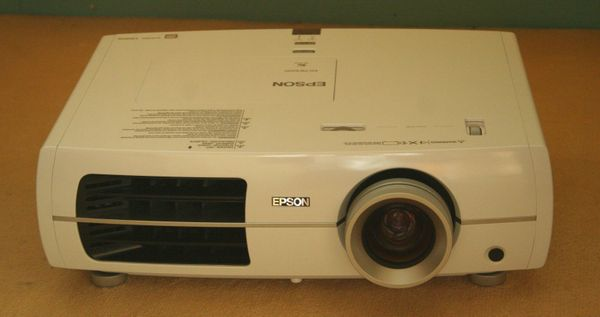 Epson EH-TW3200 Tri-LCD Projektor