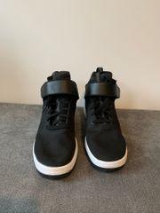Adidas Herrensneaker Größe 46
