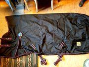 Pferde-Decke Winterdecke schwarz pink Felix