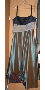 Abendkleid Ballkleid im Metallic-Look mit
