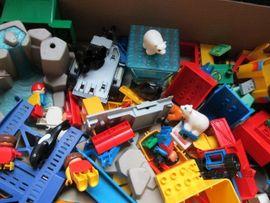 Duplo Lego Playmobil Konvolut Figuren: Kleinanzeigen aus Wetzlar - Rubrik Spielzeug: Lego, Playmobil