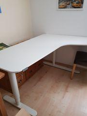 Eck- Schreibtisch elektrisch höhenverstellbar