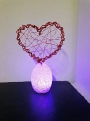 Herz deko auf farbwechsel Ei
