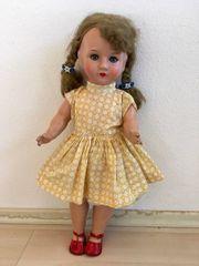 Alte Puppe aus den 50ern