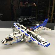 Lego Technic 42025 - Cargo Plane