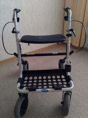 Rollator mit Sitzfläche