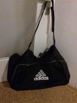 Taschen, Koffer, Accessoires - Adidas Sporttasche Tasche Reisetasche schwarz