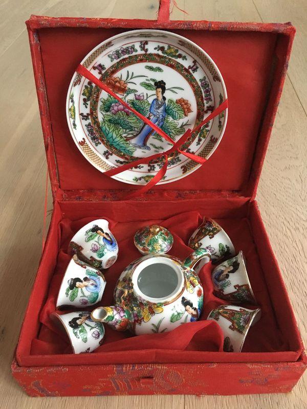 China Porzellan Sake Set handbemalt