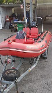 Schlauchboot mit Motor Motorboot Zodiac