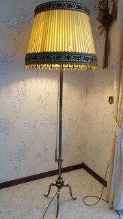 Messingstehlampe