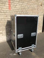 Flightcase Hardcase Transportkiste - mit Lenkrollen